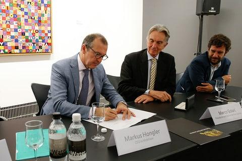 Markus Hongler, CEO de la Mobilière, Marco Solari, président du Festival du film de Locarno et Mario Timbal, directeur du Festival du film de Locarno.