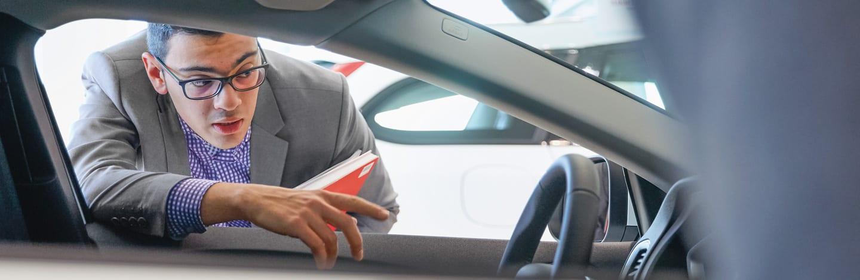 L assicurazione per viaggiare con un auto in prestito la for L espropriazione mobiliare presso terzi