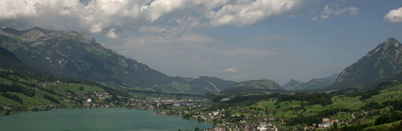les montagnes de Obwald et Nidwald