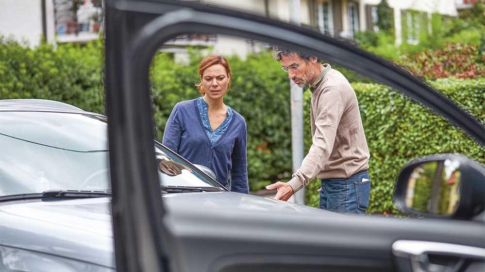 comment assurer votre voiture contre les dommages de parcage la mobili re. Black Bedroom Furniture Sets. Home Design Ideas